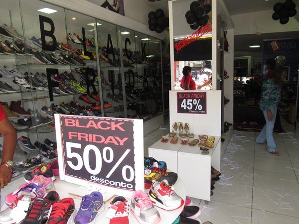 CAMPO MAIOR  A loja Mundo dos Calçados está com uma promoção Black Friday 9f83580d5365e